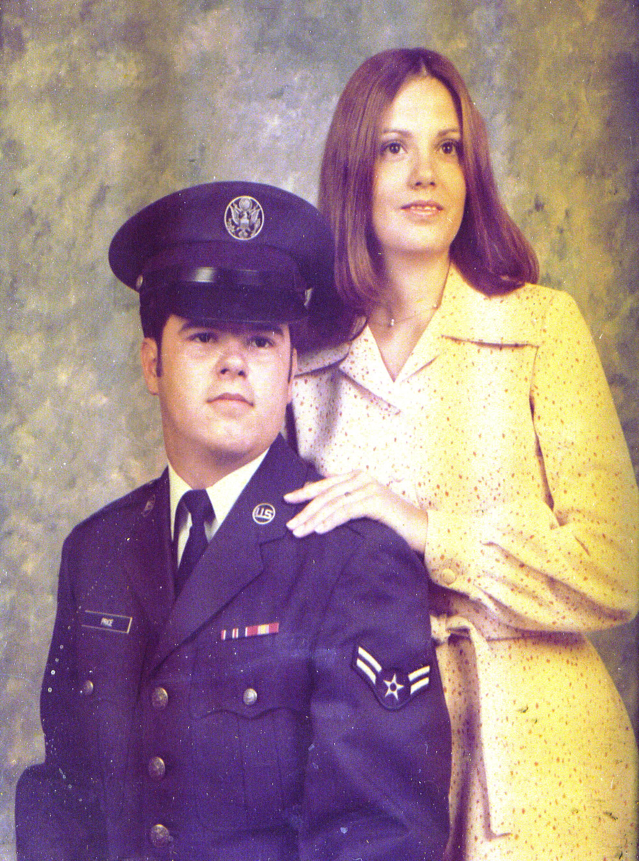 Bob & Dorinda Price 1976.jpg