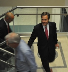 Speaker Joe Straus heads into caucus meeting