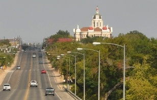 entering-Gatesville-Texas-from-West-on-highway-84.jpg
