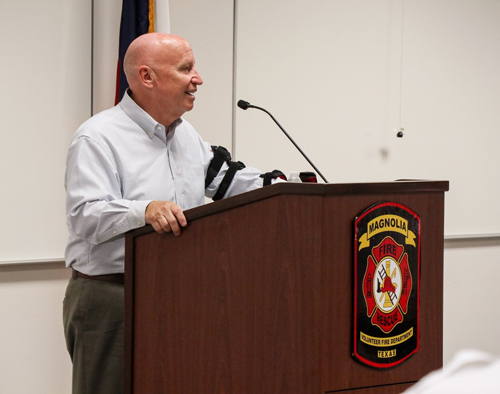Kevin Brady talking to fire dept