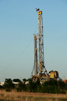 natural-gas-drilling-rig-texas.jpg